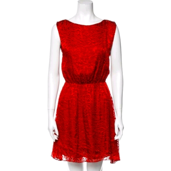 Alice + Olivia Dresses & Skirts - Alice + Olivia printed red mini dress